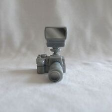 New Barbie Sis So in Style Trichelle & Courtney Dolls Silver Camera For Diorama