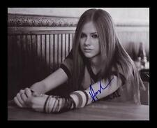 AVRIL LAVIGNE AUTOGRAPHED SIGNED & FRAMED PP POSTER PHOTO