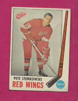 1969-70 OPC # 65 RED WINGS PETE STEMKOWSKI VG CARD (INV#0199)