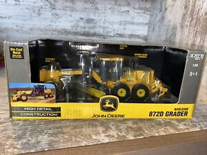 1/50th Scale John Deere 872D Road Grader First Production By Ertl  Die-Cast