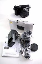 Nikon 1 J5 compacts numériques WIFI caméra avec 10-30 mm lentille noir parfait état
