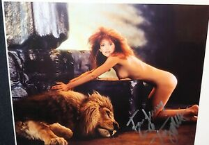 100% AUTHENTIC!! TANYA ROBERTS PLAYBOY HAND SIGNED AUTOGRAPH 8X10  REAL!! HOT!!!