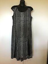 Size 16 Smart Flattering Black Geometric Print Dress - Autograph