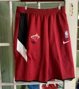 Men Nike Miami Heat Thermaflex NBA Basketball Shorts Red AV1087-608 Size XL-TALL