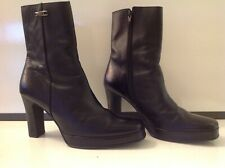 Black Leather Heeled Ankle  Boot . Size   ? 6