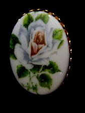 Cabochon white flower  BROOCH/PIN vintage