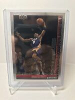 2005-06 Bowman Chrome Kobe Bryant # 69 Los Angeles Lakers