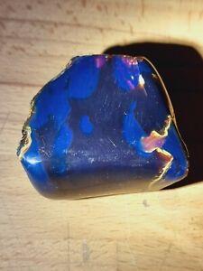 Natürlicher einzigartiger schöner blauer Rohbernstein-Sumatra-Amber-ca.68,6 gr.