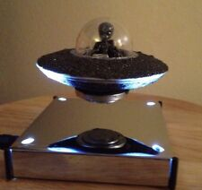 Flying Saucer UFO Model -  Gray Alien 👽 - Floats In Mid Air ! Meteorite Dust