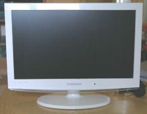 """Samsung LE19C451E2W In Excellent condition 19"""" HD"""