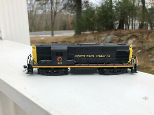 Kato HO Northern Pacific DC Diesel Engine