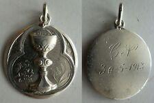 Año 1900. RARA MEDALLA PLATA GRAN CALIZ MUCHO RELIEVE. Peso 8,10 gr.
