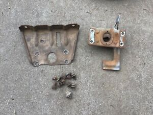1960 CHEVY CHEVROLET IMPALA BELAIR BISCAYNE HOOD LATCH ASSEMBLY