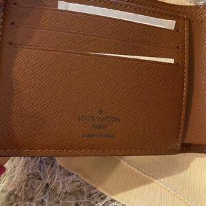 Authentic Louis Vuitton Monogram Canvas Men's Bifold Wallet