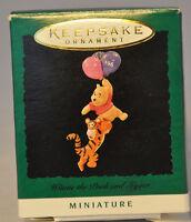 Hallmark - Winnie the Pooh and Tigger - Disney - Miniature Keepsake Ornament