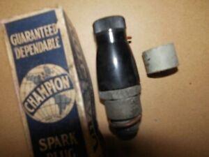 VINTAGE CHAMPION 11 SPARK PLUG 18 MM SEE DETAILS  N.O.S.