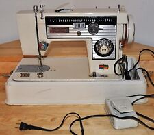 Vintage Singer 614A Sewing Machine w'/ Hard Cover
