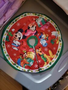 """Disney Mickey and Minnie 16"""" Diameter Mini Tree Skirt"""