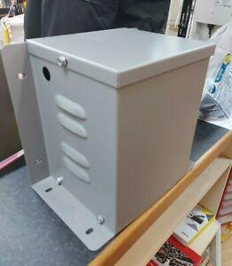 Step Up Transformer 1100 V/A  - Input 110v - Output 230v