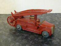 LESNEY MATCHBOX No.9 FIRE ENGINE RED WITH GOLD GRILL VGC