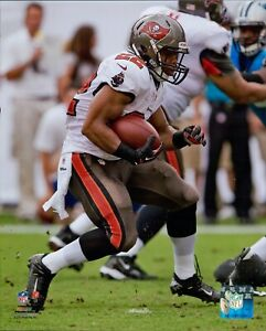 Doug Martin Tampa Bay Buccaneers NFL Licensed Unsigned Glossy 8x10 Photo A