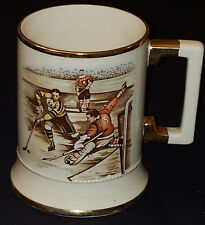 1940/50's - ACTION HOCKEY SCENE - MADE IN ENGLAND SPORTING SERIES MUG - ORIGINAL