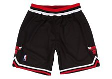 Chicago Bulls Mitchell & Ness Authentic Black 1997-98 Shorts L