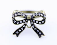 Vintage style cut out alloy crystal bow ring