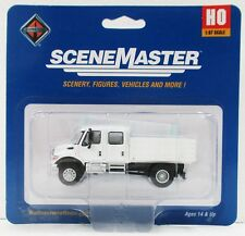 Walthers SceneMaster 949-11880 International 7600 Mow Solid Stake Bed Truck