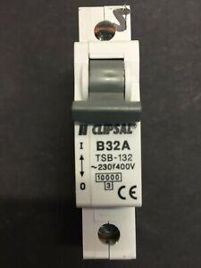 Clipsal TSB-132 B32 32A MCB