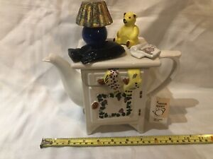 TEAPOTTERY SWINESIDE NOVELTY COLLECTABLE NURSERY BEDSIDE CABINET TEAPOT PERFECT