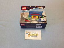 Lego Bricktober 40144 Toys R Us Store New/Sealed/Retired/Hard to Find