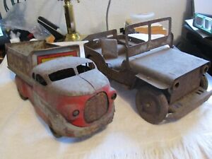 TWO ANTIQUE TIN TOY WYANDOTTE DUMP TRUCK AND JEEP