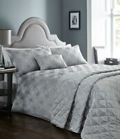 Luna Metallic Shimmer Jacquard Duvet Cover / Quilt Cover Set Bedding Range
