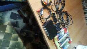 Kleines Karaoke Set mit 2 Mikros und Anschlußkabel und Adapter