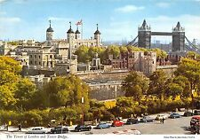 B84289 the tower of london and tower bridge car   uk