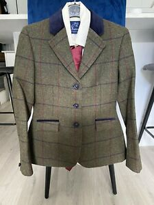 BROWN CHECKED SHOW JACKET SIZE 6-8 BY LE BEAU CHEVAL