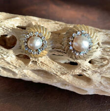 Vintage MIRIAM HASKELL Costume Baroque Pearl Gold Tone Button clip EARRINGS