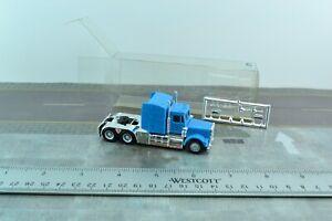 Herpa Kenworth W900 Tractor Unit Truck Blue 1:87 Scale (HO811)