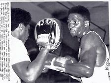 Sugar Ray Leonard  Thomas Hearns  photo archive press  print 5