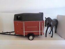 Horse Trailer & Horse 1:43 SCALE  Diecast Metal Model,