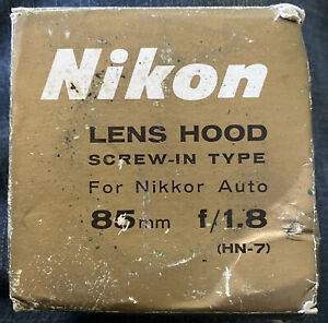 Nikon Lens Hood screw-in HN-7 For Nikkor Auto 85mm f/1.8 Japan NRMT In Worn Box