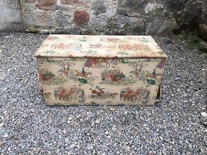 Vintage Rustic Vintage Pine Chest / Ottoman/Trunk / Box