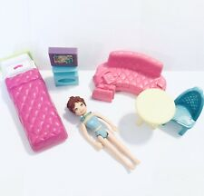"""Lot Dollhouse Bedroom & 3.5"""" Woman Doll Set w/tv Table Chair Sofa Couch Bed EUC"""