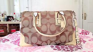 Coach Leather Shoulder Handbag  Carryall J0920 F13812 Excellent Condition