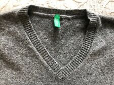 benetton boy's grey wool v-neck sweater, washable. Gently worn.