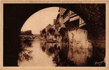 CPA Argenton-sur-Creuse - Vieilles Maisons et la Creuse (167700)