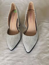 Dolcis Women Black/ White Leather Shoes Size 7(G24).