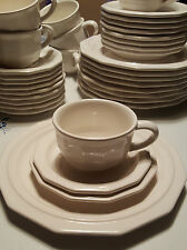 Vintage Pfaltzgraff White Heritage 4 Piece Place Setting Dinner Bread Cup Saucer