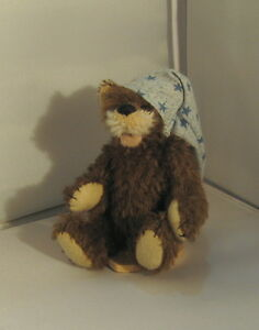 Deb Canham Miniature Bear- Floppy Chap  #171/800